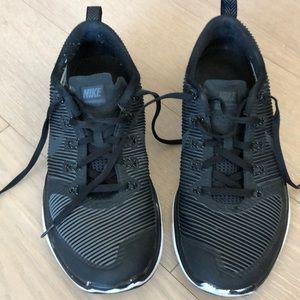 Nike sneaker | Black | used like new